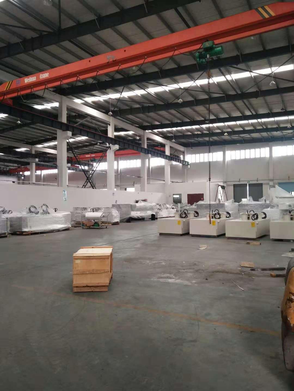 枫泾104板块带行车厂房仓库出租,层高10米