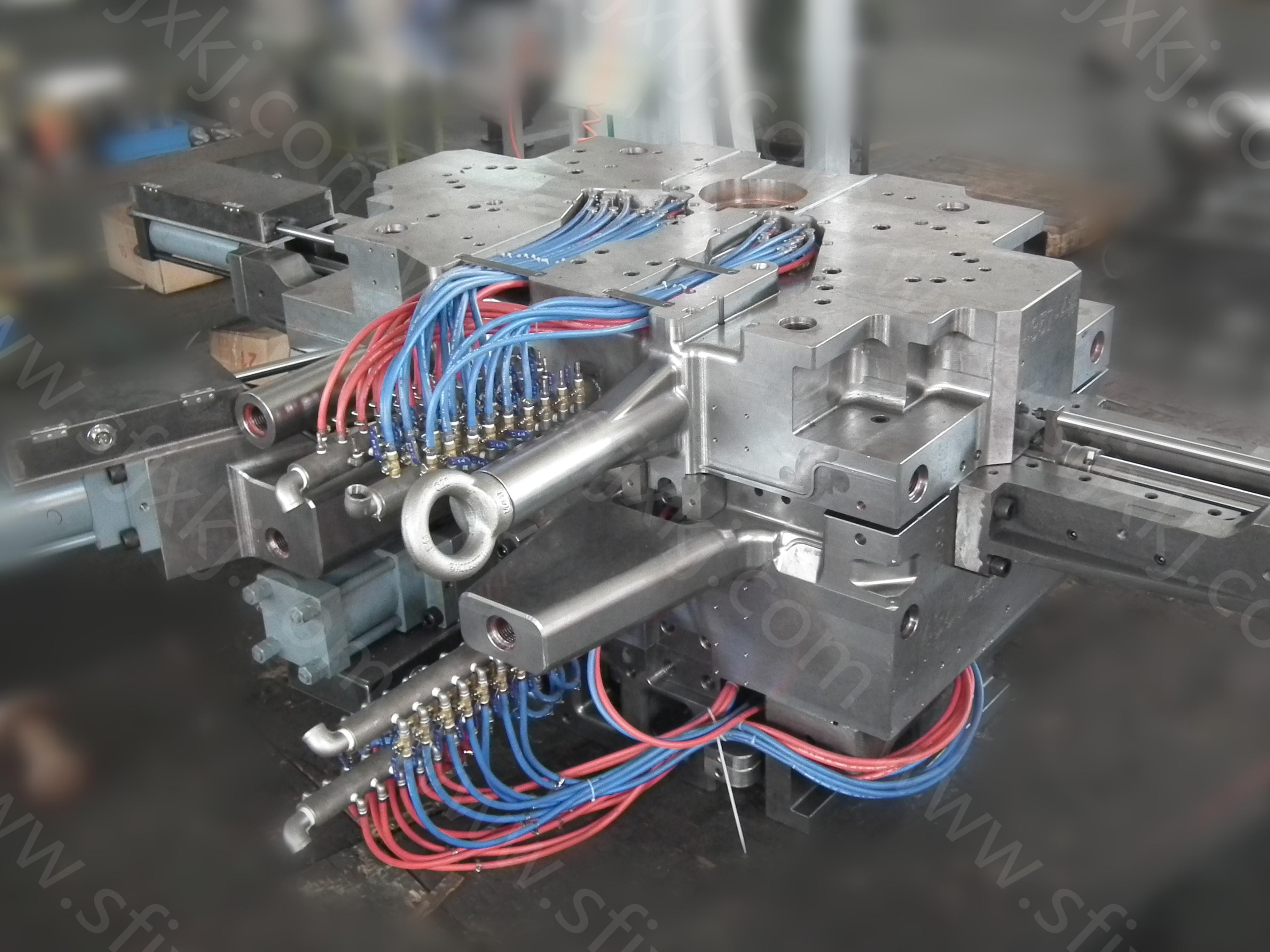 解析壓鑄模具與塑料模具結構的區別