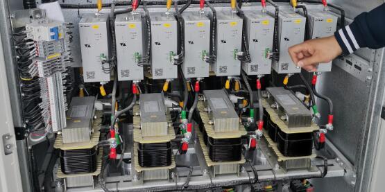 纯电容无功补偿的的谐波放大问题如何解决?