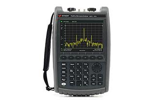 FieldFox 手持式射频和微波分...