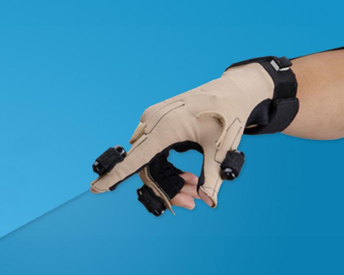 CyberTouch 触觉反馈数据手套