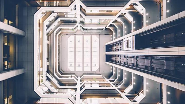 摩天大楼电梯