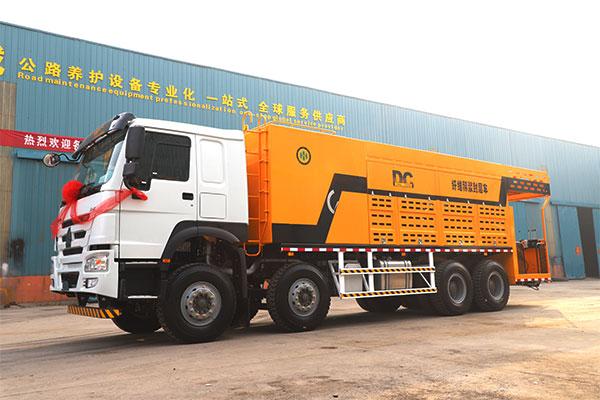 HTN5314TFC Fiber Slurry seal vehicle