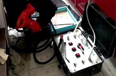 2018年10月27日吴师傅在紫荆园为客户清洗油烟机