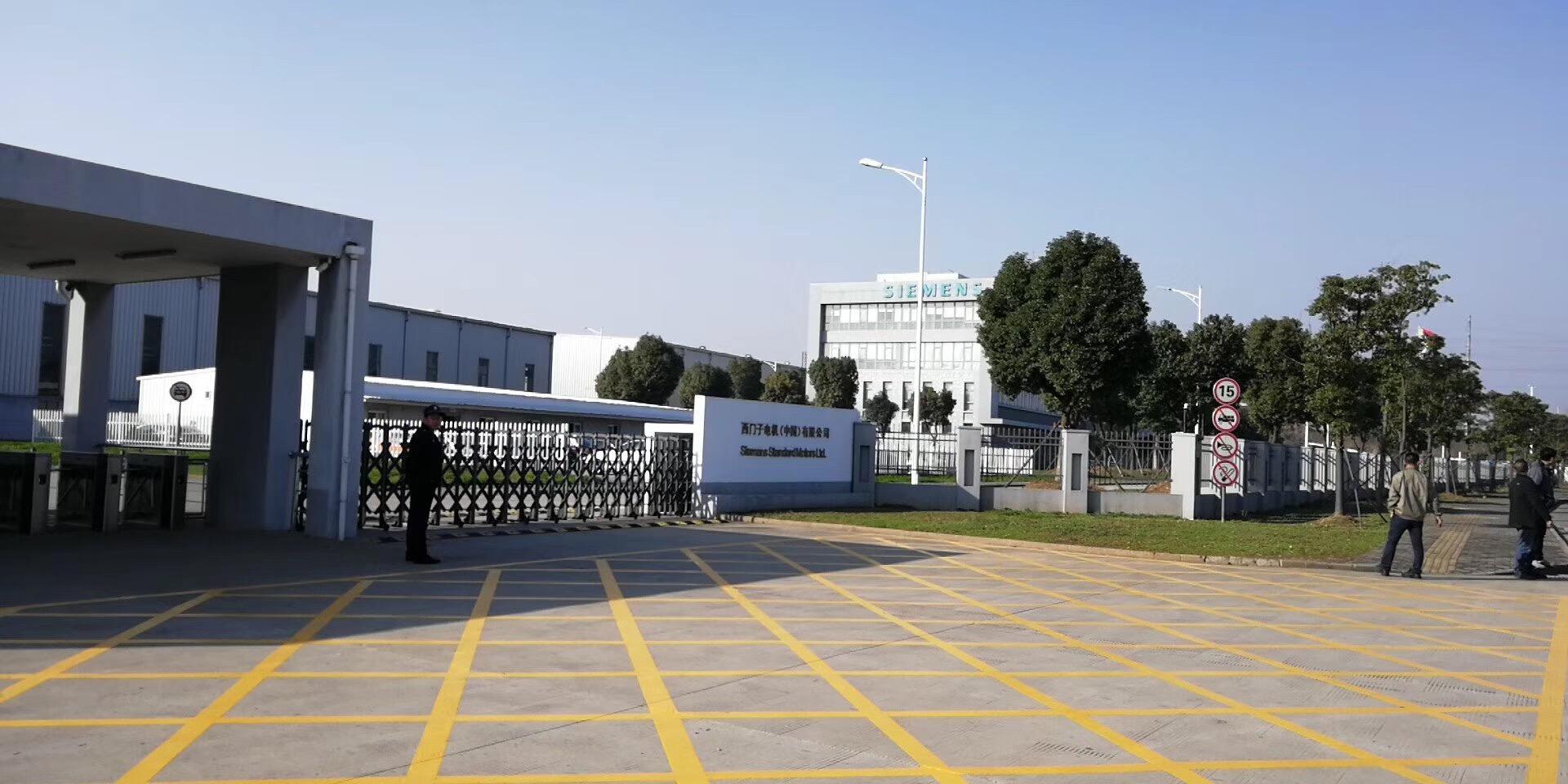 电子电器行业-扬州快速堆积门安装