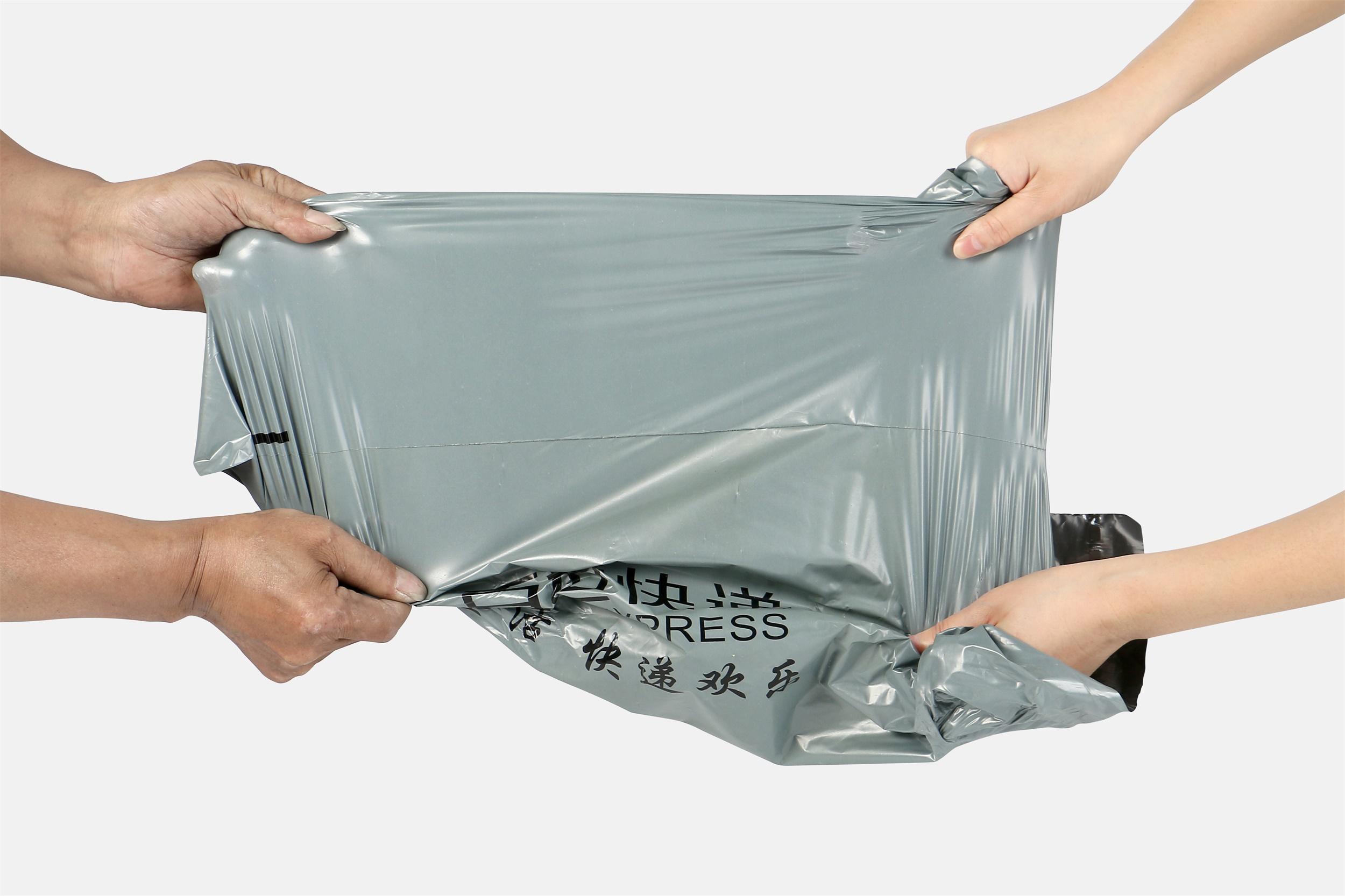 福建快递袋定制又弹开?了解快递袋封口热熔胶涂多少合适?