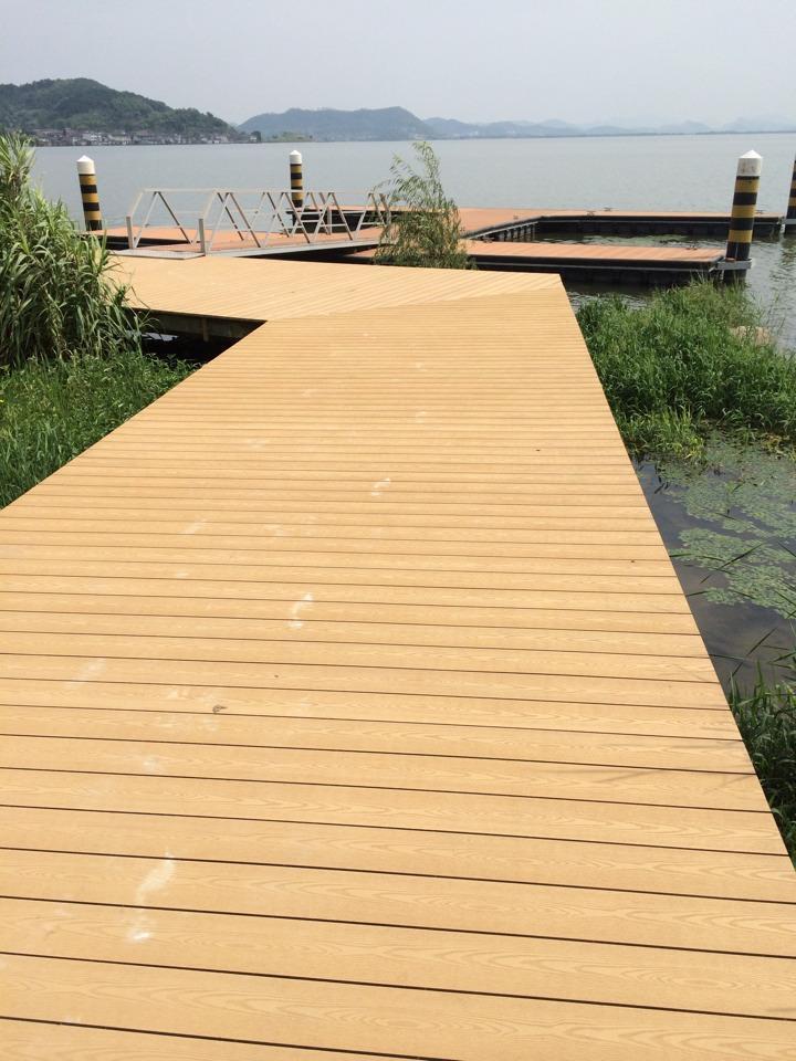 河道塑木地板