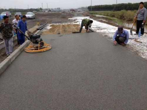 彩色透水路面项目能够缓解城市排水系统负担