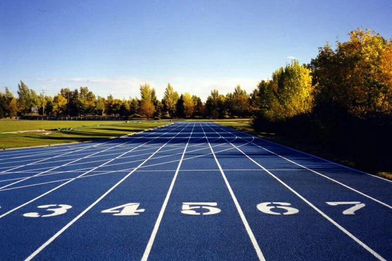 上海塑胶跑道厂家告诉你为什么混合型塑胶跑道更适合学校?