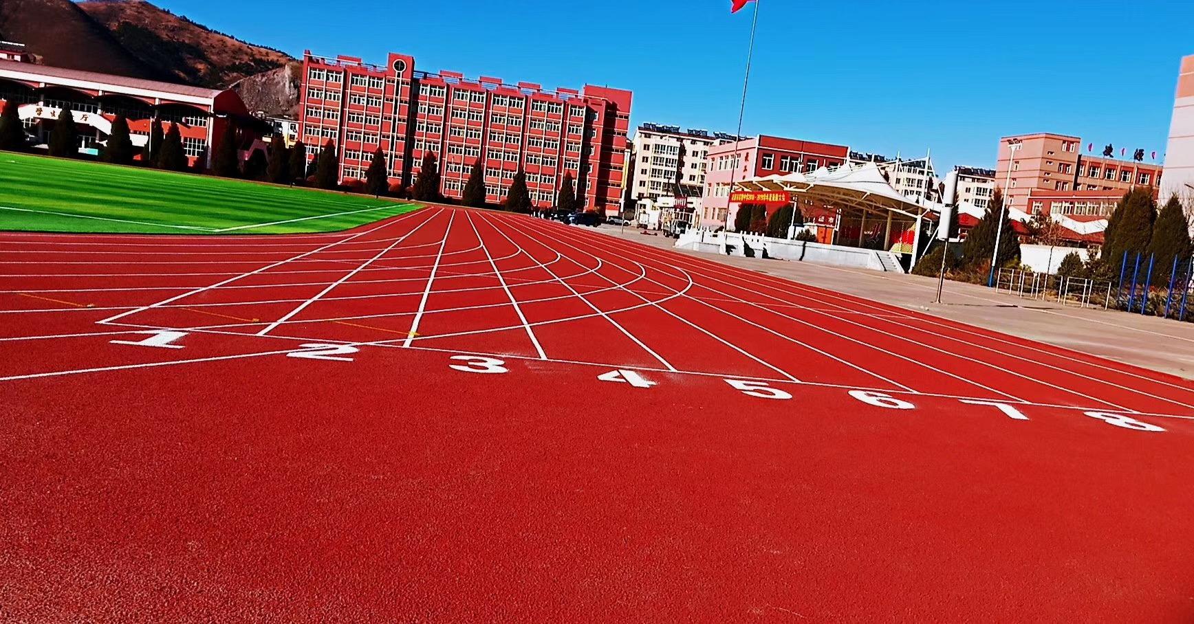 荣跃体育给您分享超实用塑胶跑道施工工艺!