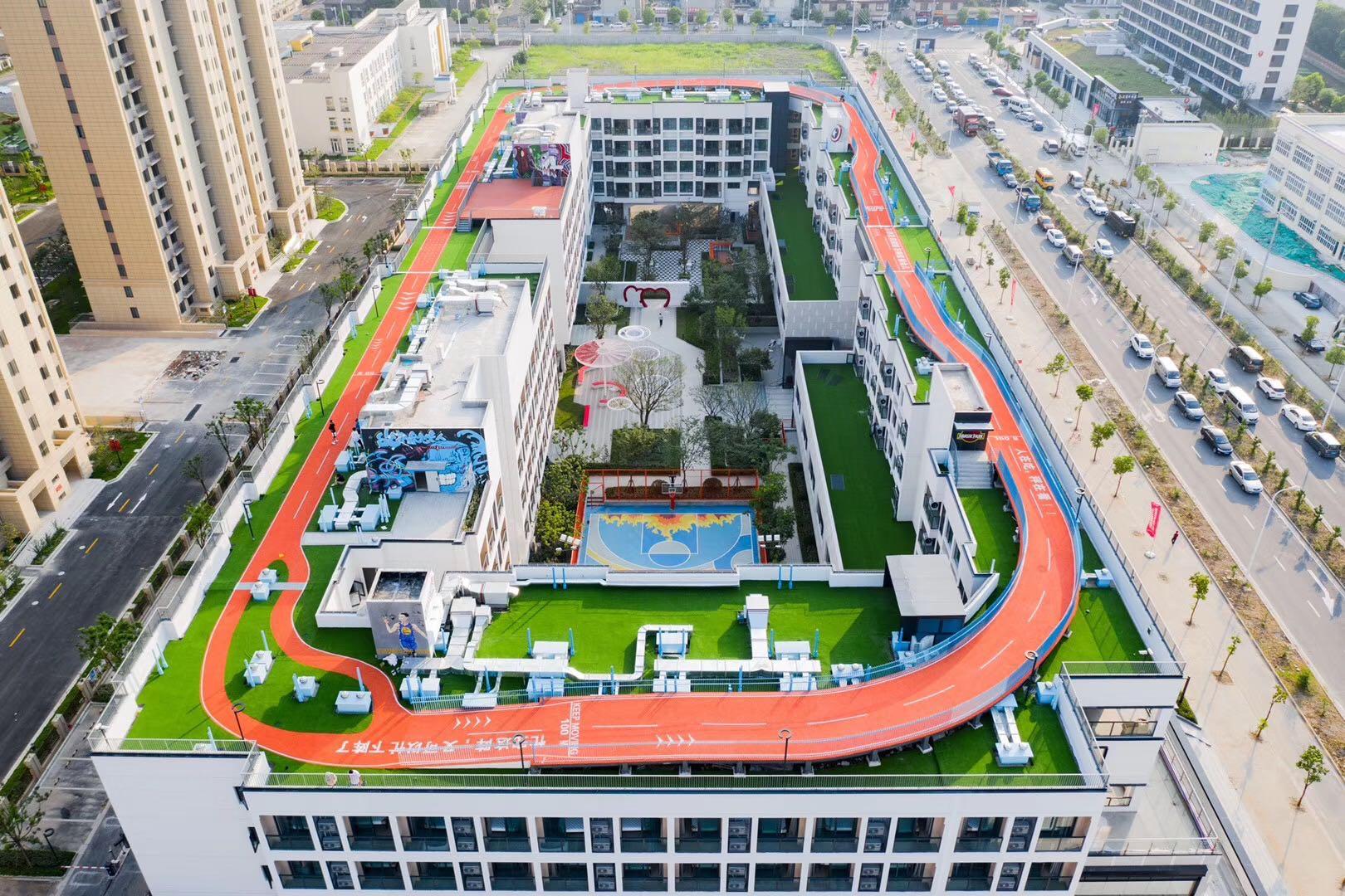 上海市嘉定区龙湖冠寓顶楼十博