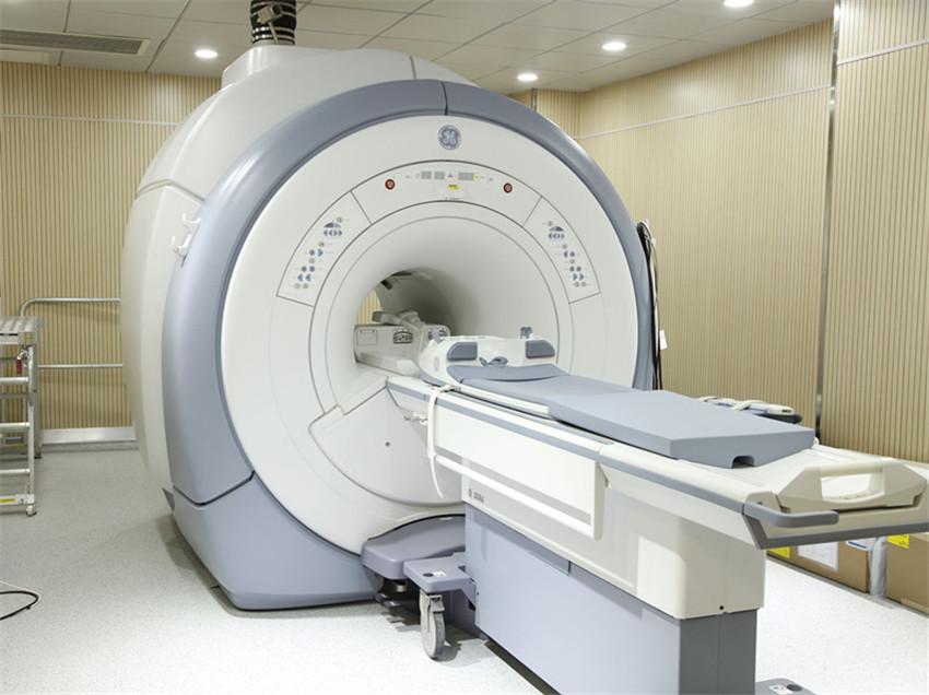 医用质子重离子加速器治疗系统