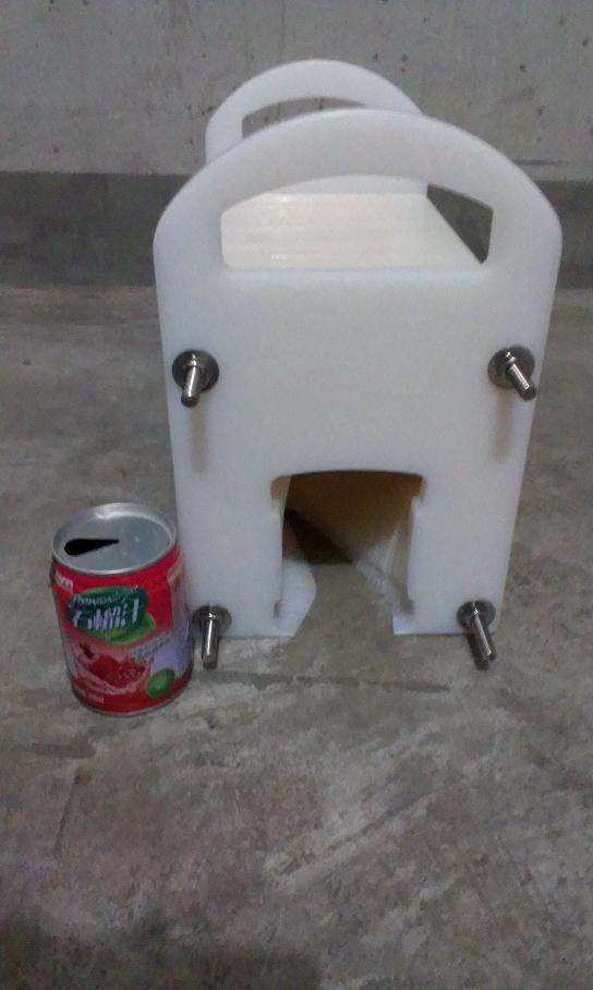 八寶粥易拉罐翻罐器