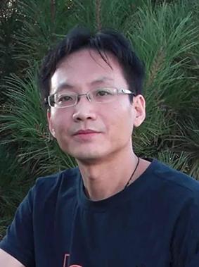 冯群——美术教师