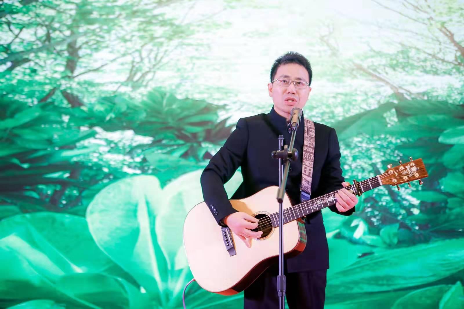 忙里偷闲,宁波湖南商会年会吉他弹唱《...
