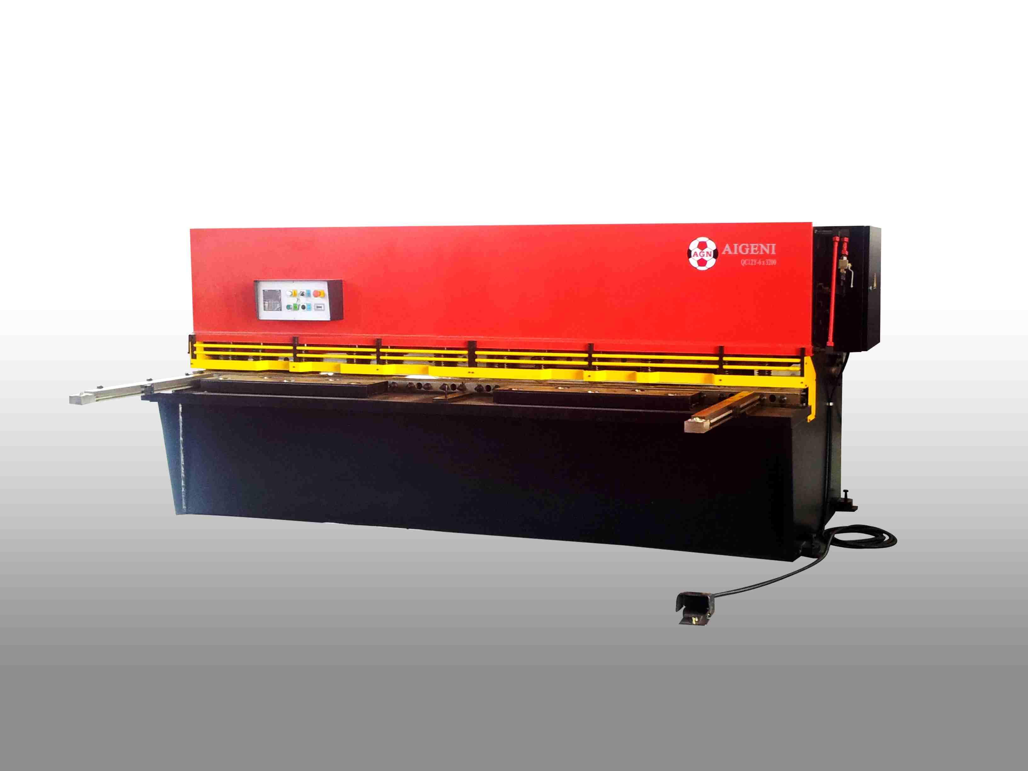 QC12K系列數控剪板機;QC12Y系列液壓剪板機