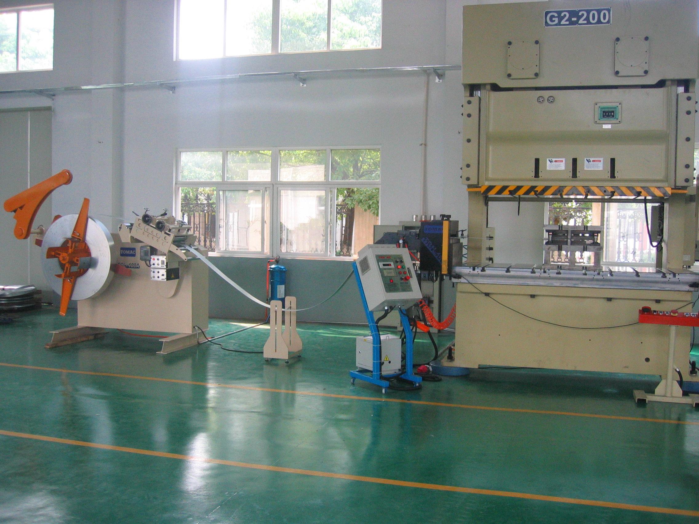 澳州客户在上海投资工厂建...