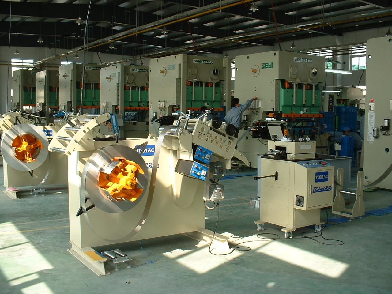 台湾客户在上海工厂加工金...