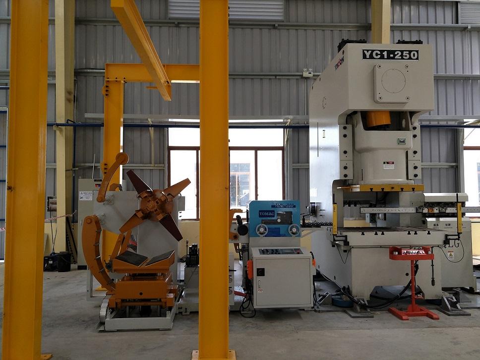 宁波客户越南工厂金属支架...