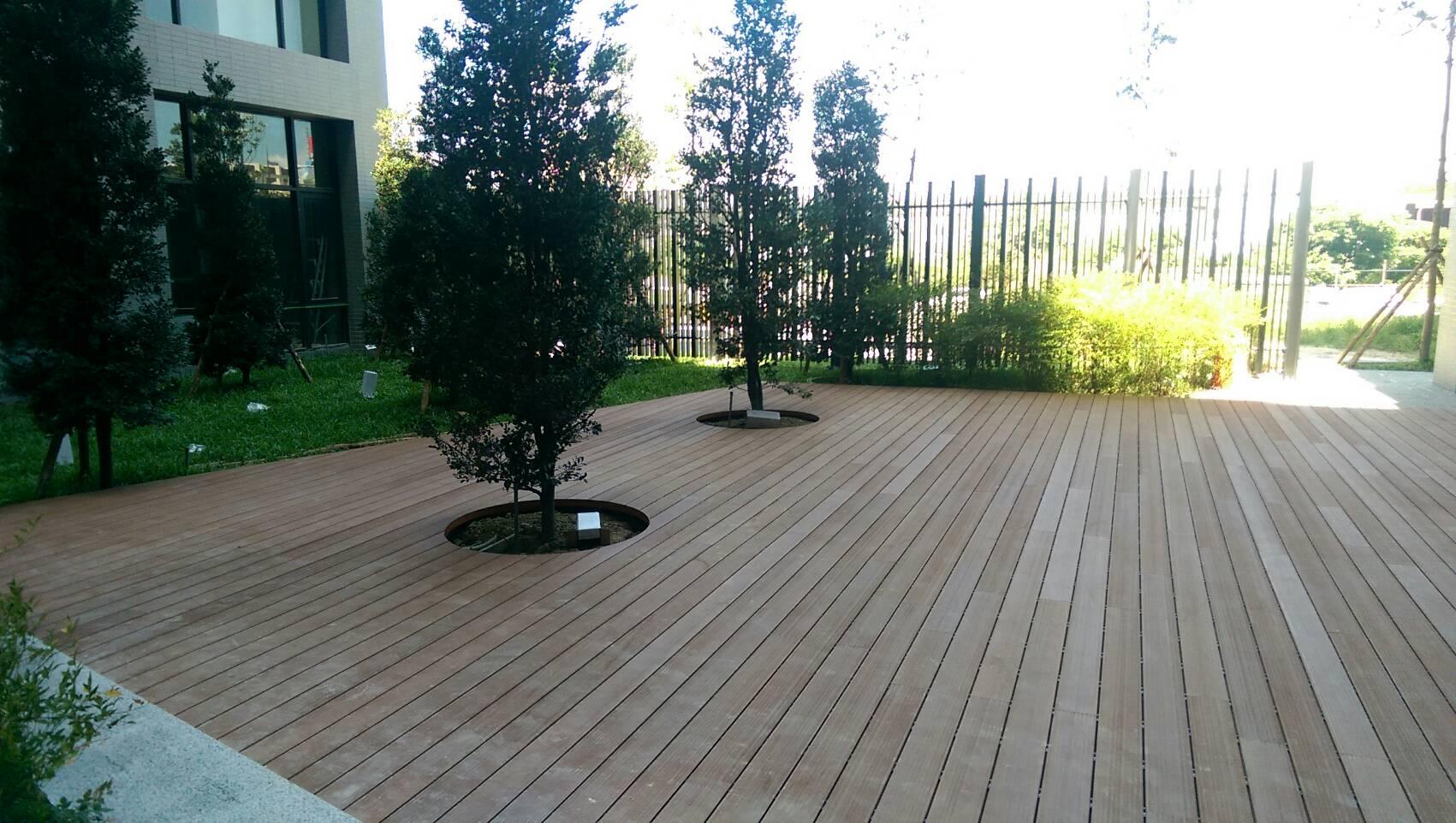 花园低碳木塑地板