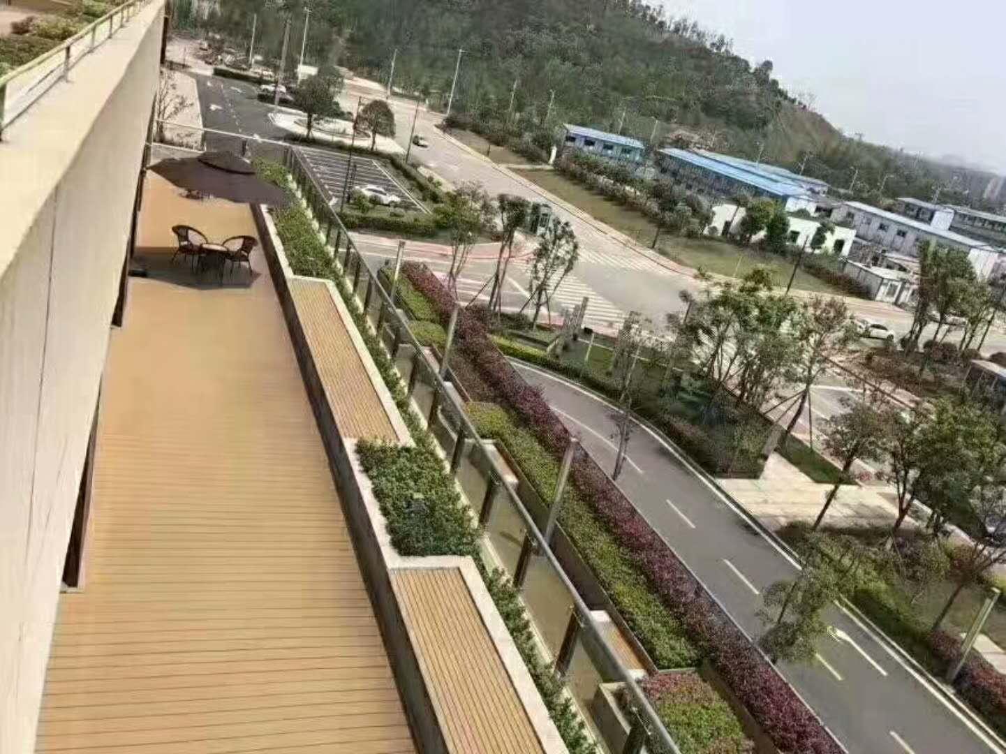 体育公园塑木地板