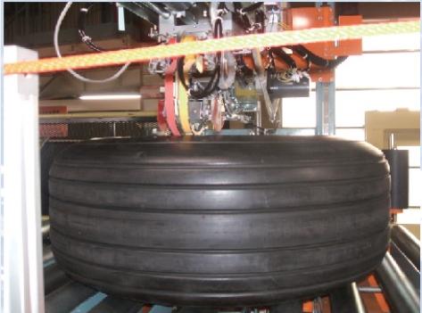 橡胶轮胎行业-PC轮胎动平衡机