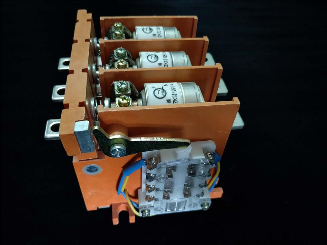 CKJ5-125A36V,CKJ5-250A36V,CKJ5-400A36V,CKJ5-400A36V,CKJ5-630A36V真空交流接触器