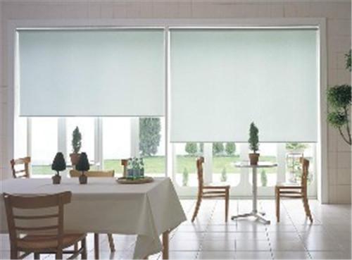 办公室窗帘选择技巧 适合办公室挂的窗帘有哪些