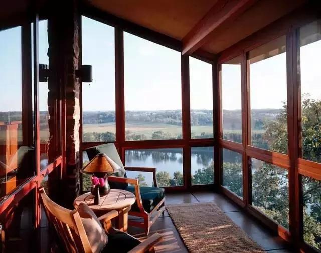 上海铝合金封阳台窗,先封阳台还是先贴瓷砖