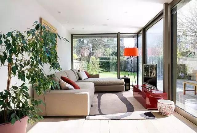 封阳台,铝合金门窗价格不得不知道的细节,要装修铝合金门窗的赶快来学习下!