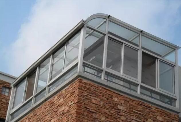 3大理由告诉您:露台阳光房推拉门为什么要选铝合金型材?