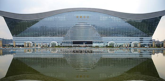 我司参与建设的全球单体建筑--成都新世纪环球中心开业