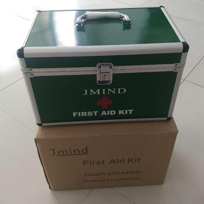 绿色铝制急救箱