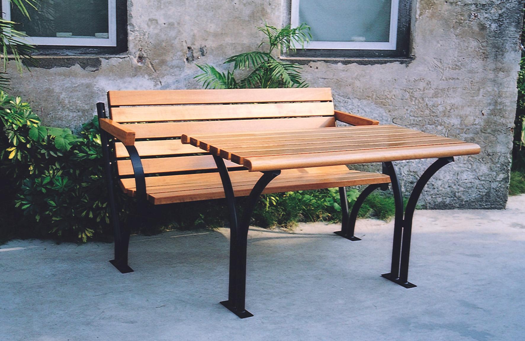 木质组合桌椅