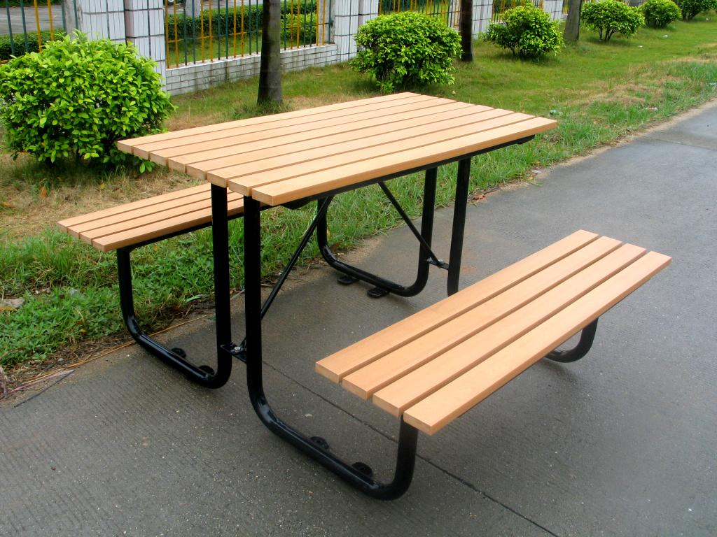木质组合桌椅03