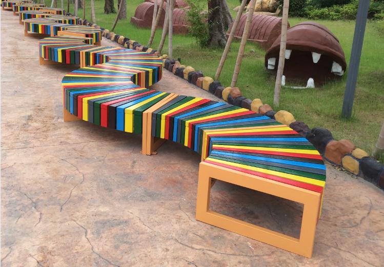 彩色钢木结构座椅