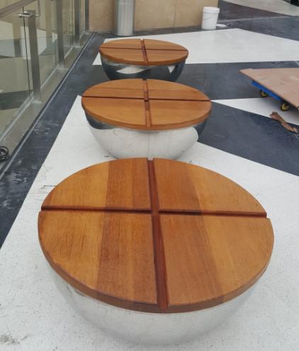 圆形钢木结构座椅