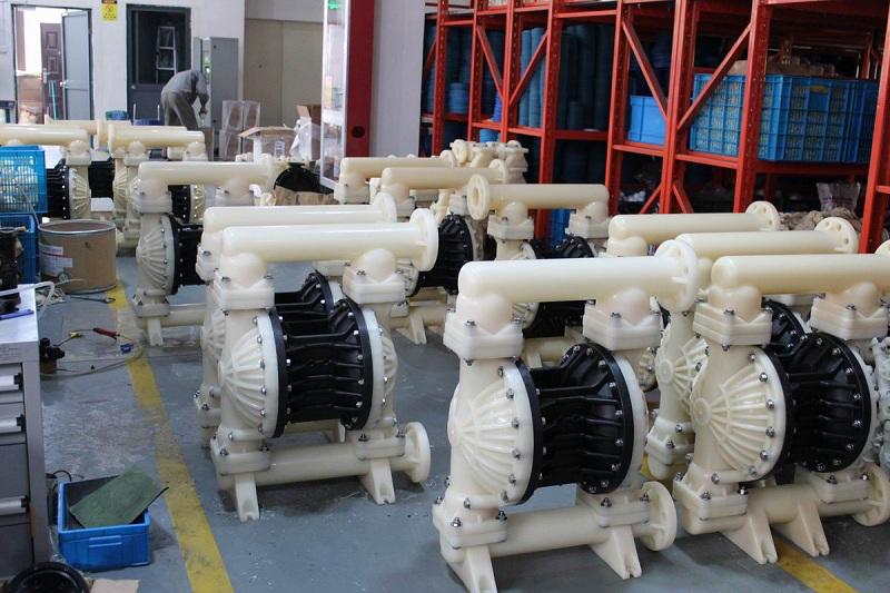 3寸气动隔膜泵助力智利电池化工项目