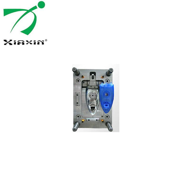电熨斗塑料外壳注塑模具