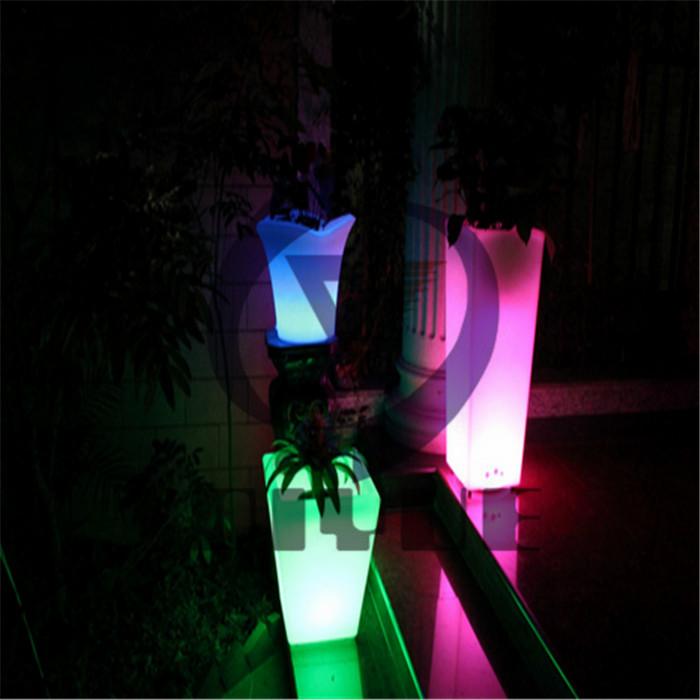 定制户外滚塑LED花盆厂商