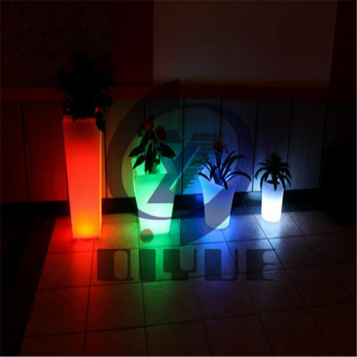 定制室内滚塑LED花盆价格