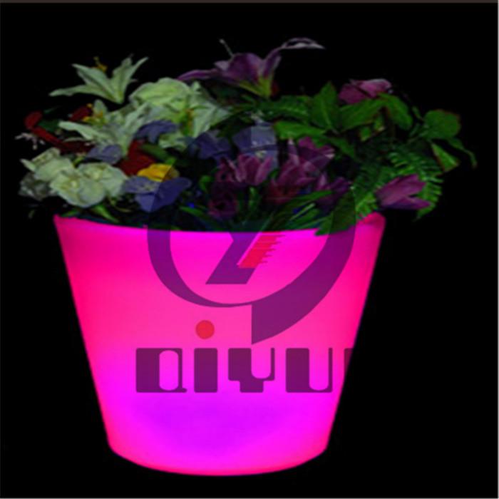 定制室内滚塑LED花盆生产