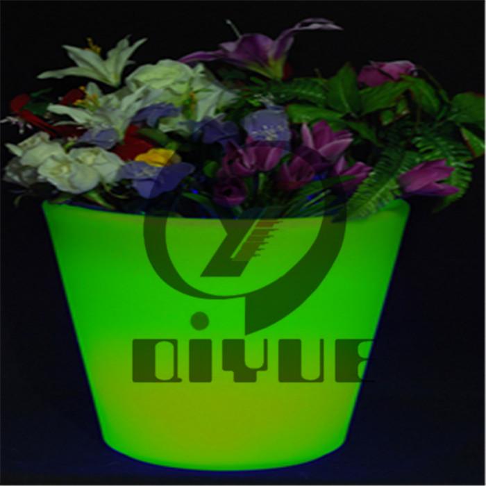 定制室内滚塑LED花盆生产商