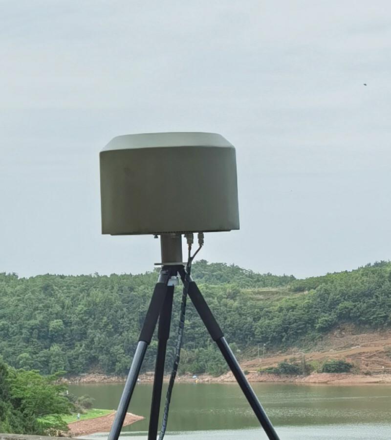 """""""听鹰""""无线电监测设备"""