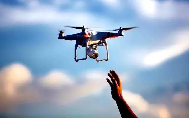 无人机带动的新兴产业