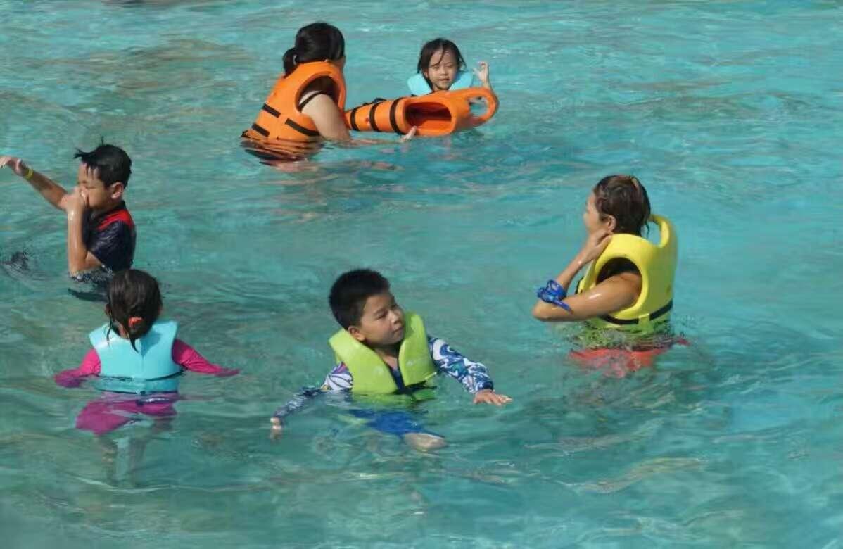 正确的水上救援步骤及方法