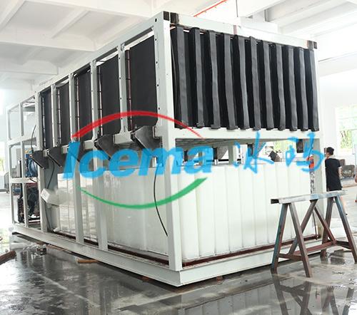 全自动大型直冷式块冰机交付南通客户