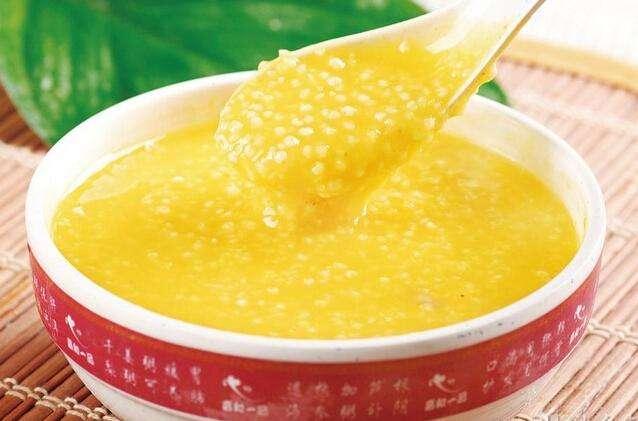 喝碗富硒小米粥,睡眠甜又香!