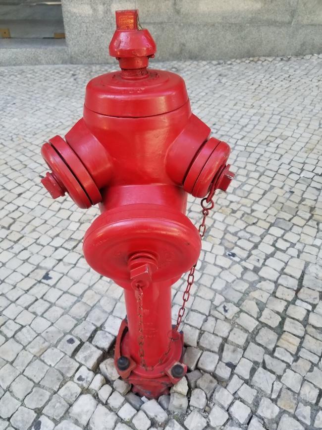 红色消防栓
