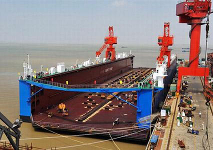 30000吨浮船坞
